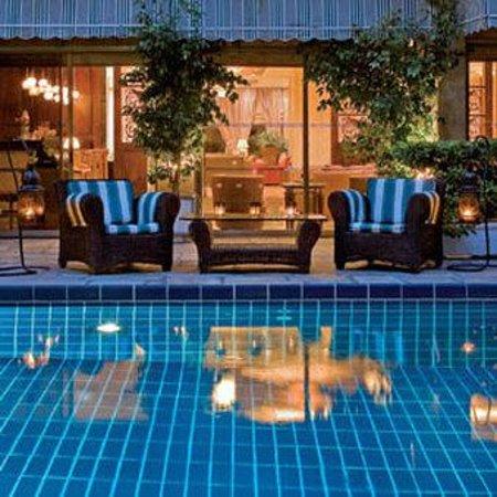 Divani Palace Acropolis: Pool &Bar View