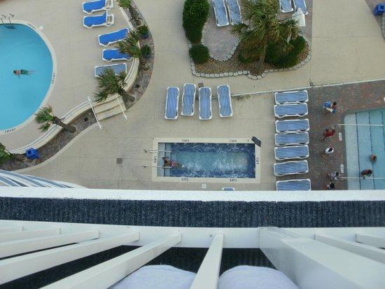 Sandy Beach Resort : hot tub