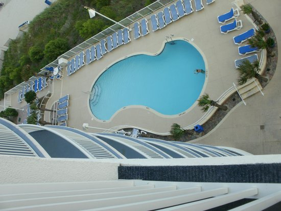 Sandy Beach Resort : pool