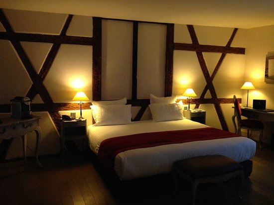Hôtel Cour du Corbeau Strasbourg - MGallery Collection : Our suite (a big room)