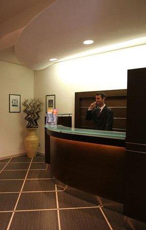 Hotel Garda: Reception
