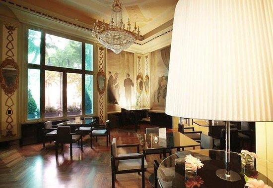 Grand Hotel Palace: Cadorin Lobby