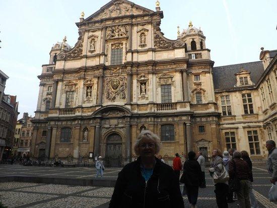 Carolus Borromeus Church : Скромная церковь Св. Борромео