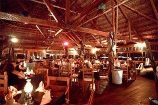 Las Perlas Condos : La Gaviotas Restaurant Interior