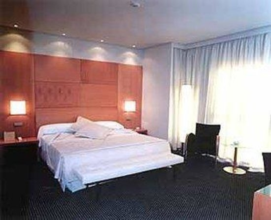 Silken Puerta Madrid: The Hotel