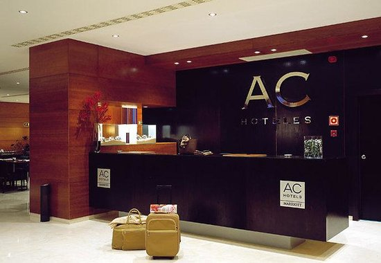 AC Hotel Palencia: Reception