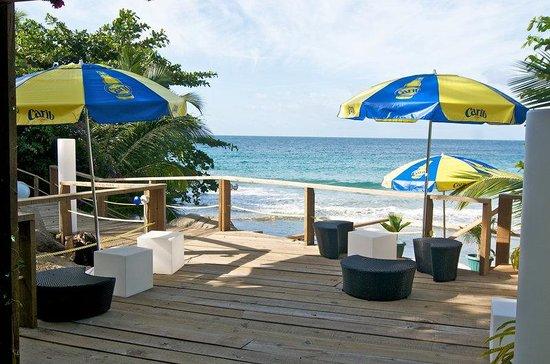 Half Moon Blue Hotel : Beach Bar The Ro K