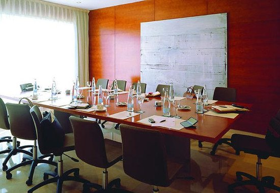 AC Hotel Palencia: Meeting Room
