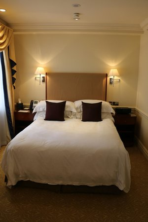 The Langham, London : Comfortable Bed