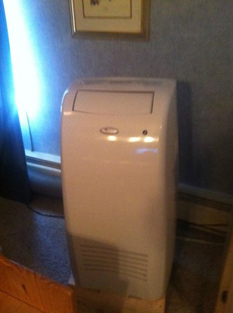 The Preston County Inn: floor unit AC