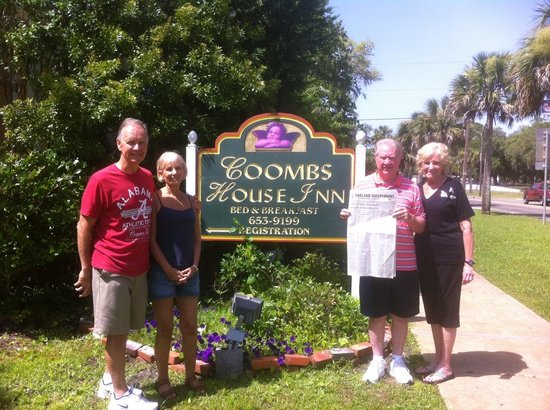 Coombs House Inn : Sharing IL hometown paper with brother and sister-in-law