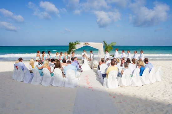 Iberostar Grand Hotel Paraiso : Beach Wedding Set up