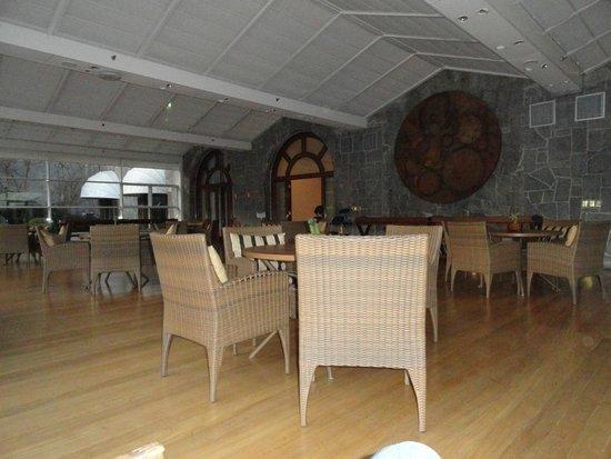 Grande Hotel Campos do Jordao: Sala de Cristal, uma das maravilhosas salas de estar do hotel.