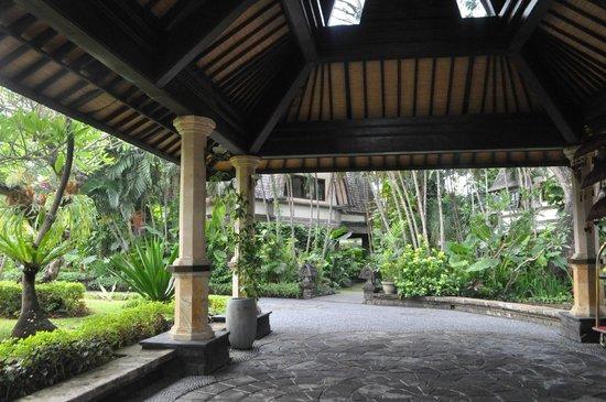 Hotel Vila Lumbung: Receiption