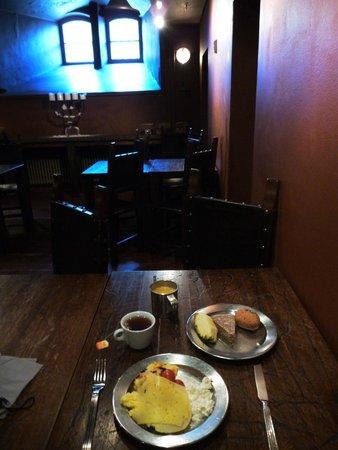 Hotel Katajanokka: Breakfast in the cellar