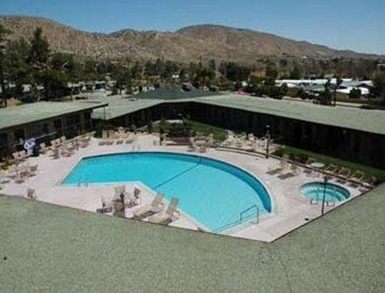 Travelodge Inn and Suites Yucca Valley/Joshua Tree Nat'l Park: Pool