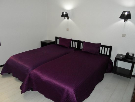Residencial A Cubata: Comfy twin bed