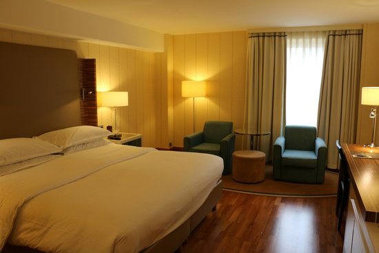Sheraton Stockholm Hotel: Spacious and Clean
