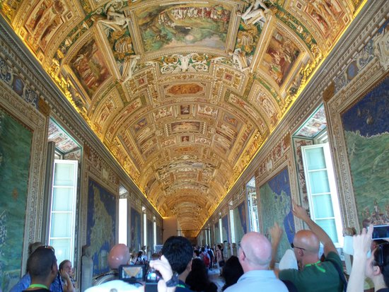 Vatican Guided Tours: Hall of Maps