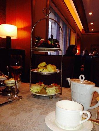 Swann Lounge & Cafe: Royal Tea
