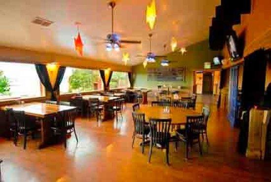 Ramada Monument: sunny cafe