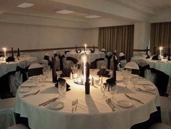 Baymont Inn & Suites Houston- Sam Houston Parkway: Banquet Room