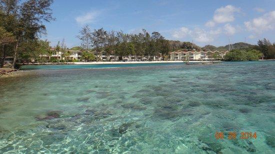 Fantasy Island Beach Resort: playa resort