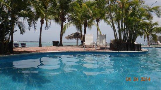 Fantasy Island Beach Resort: vista habitaciones a la derecha