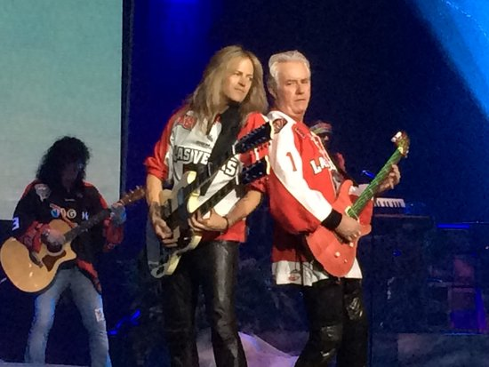 "Raiding The Rock Vault : Rocking ""Hotel California"""