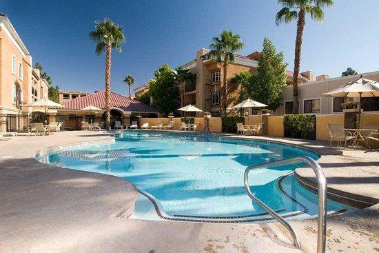 Desert Rose Resort : Outdoor Swimming Pool