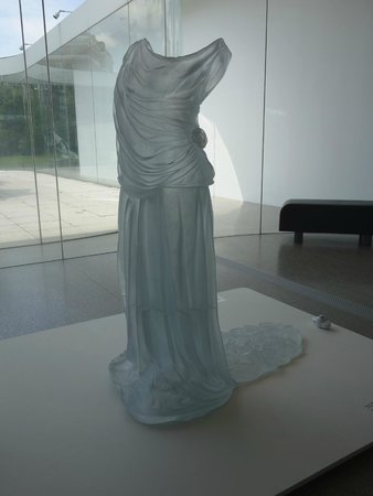 Toledo Museum of Art : A glass dress in the glass galleries