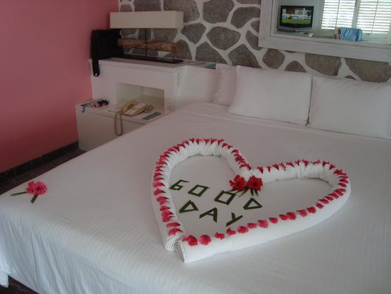 Las Brisas Acapulco : Our treat from housekeeping