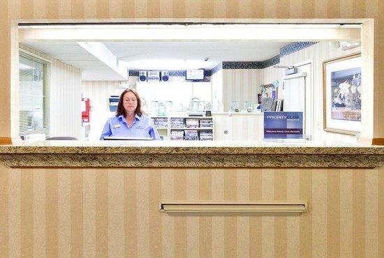 Candlewood Suites Richmond West End Short Pump: Reception