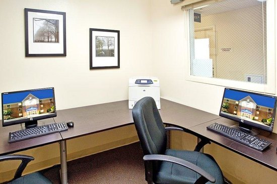Candlewood Suites Richmond West End Short Pump: Business Center