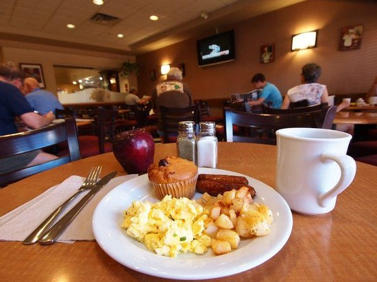 BEST WESTERN PLUS Pembina Inn & Suites: Complimentary Full Hot Breakfast