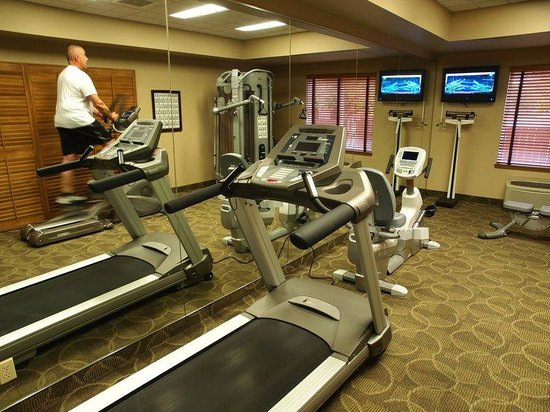 BEST WESTERN PLUS Pembina Inn & Suites : Fitness Room