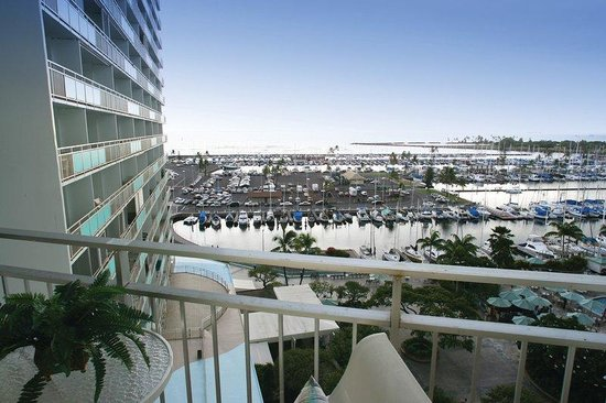 Waikiki Marina Resort at the Ilikai: Suite Balcony