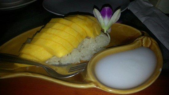 Ao Nang Walking Street: Mango Sticky Rice