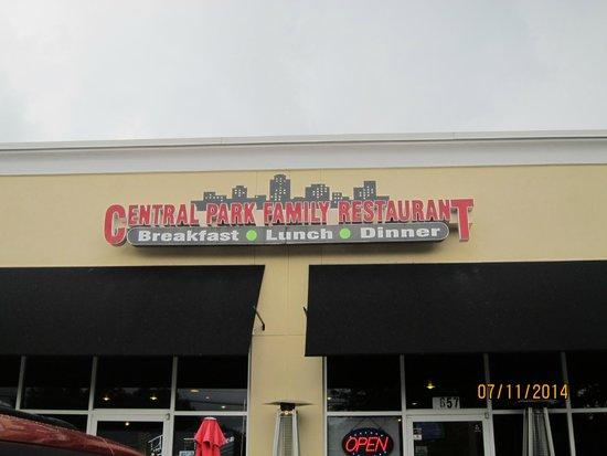 Central Park Family Restaurant: sign outside