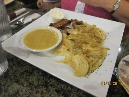 Central Park Family Restaurant: Pierogi and kielbasa
