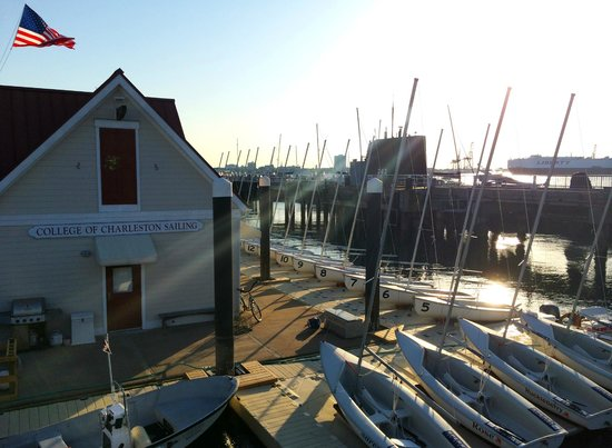 Charleston Harbor Resort & Marina: nearby sailing school