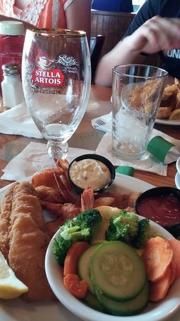 Down the Hatch Seafood Restaurant: One of the great meals