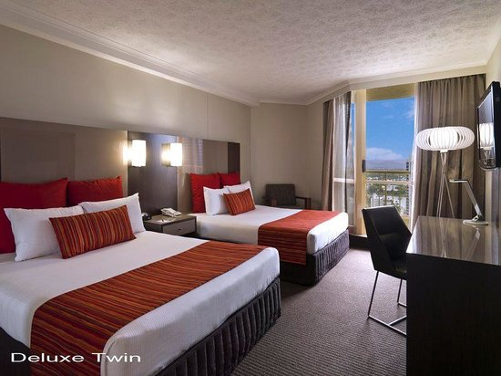 Hotel Grand Chancellor Surfers Paradise: Deluxe Twin Room