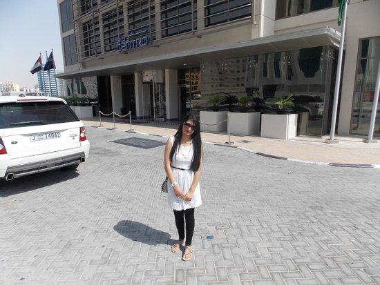Centro Barsha: Outside the Hotel..