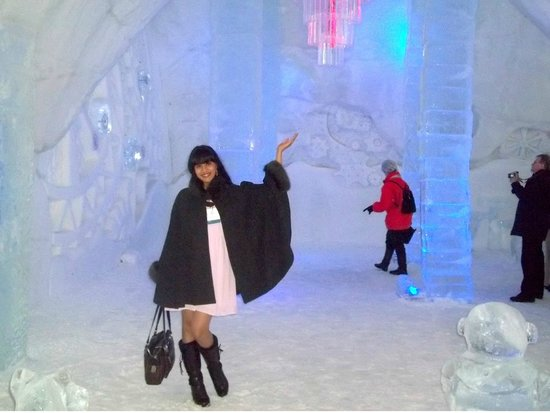 oh i must try the frozen bed picture of hotel de glace quebec city tripadvisor. Black Bedroom Furniture Sets. Home Design Ideas