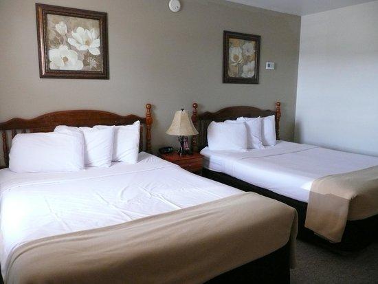Sunset Lodge Escanaba : room