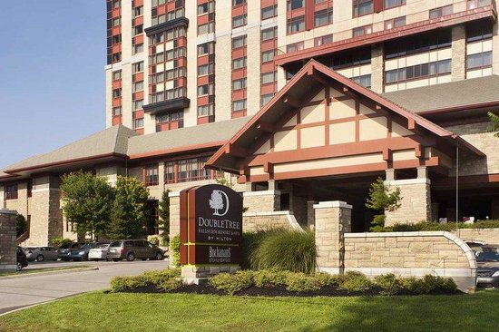 DoubleTree Fallsview Resort & Spa by Hilton - Niagara Falls: Exterior