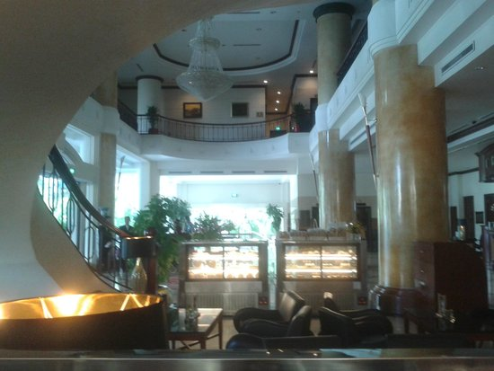 Fortuna Hotel Hanoi: view from first floor restaurant