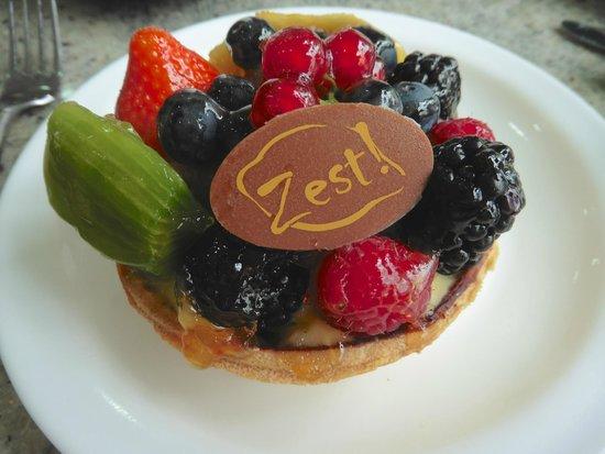 Zest!: individual fruit tart for dessert