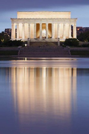 Embassy Suites by Hilton Washington-Convention Center: Lincoln Memorial